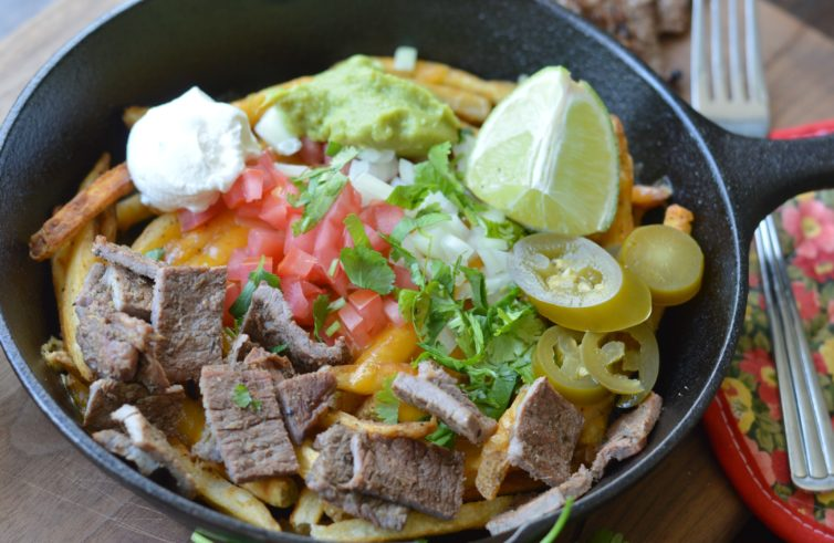 Carne asada fries up-close