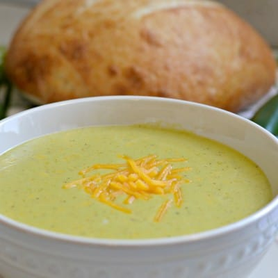 Copycat Kneaders Cheddar and Jalapeno Soup