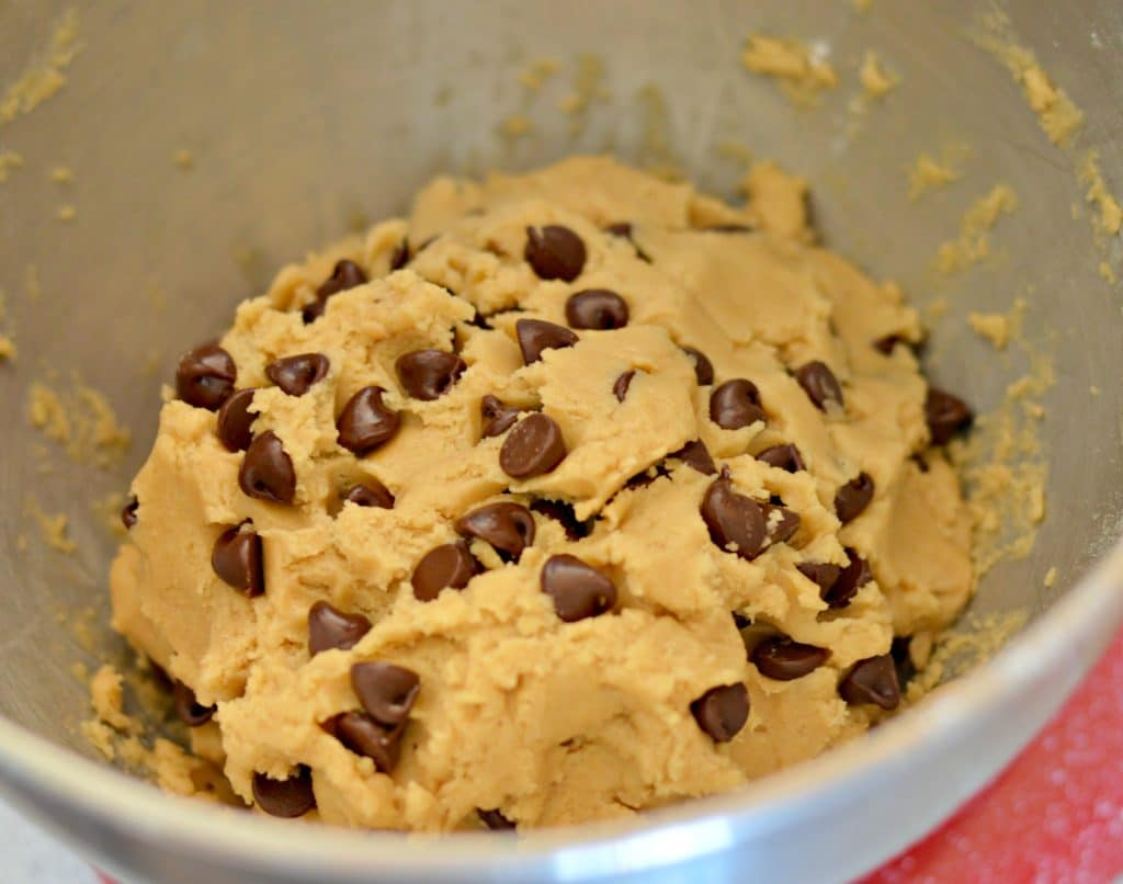 This Chocolate Chip Cookies recipe is really good! You will find many chocolate chip cookies claiming to be the best, but not here. Maybe it is, maybe it isn't, what I do know is that it is really good, really easy, and you can make it in a hurry!