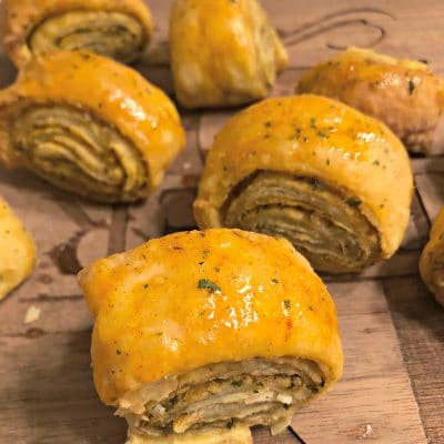 Easy Olive Oil and Garlic Puff Pastry Pinwheels