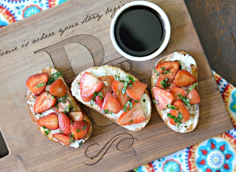 strawberry basil bruschetta with honey balsamic glaze