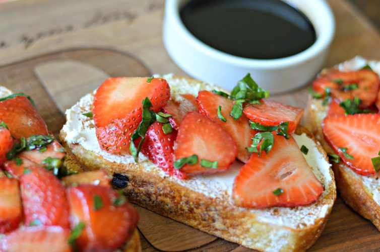 bruschetta with strawberry, basil, and honey-balsamic glaze