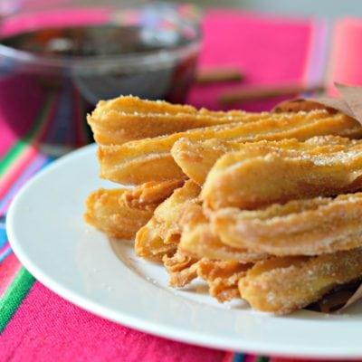 Los Mejores Churros Mexicanos con Salsa de Piloncillo