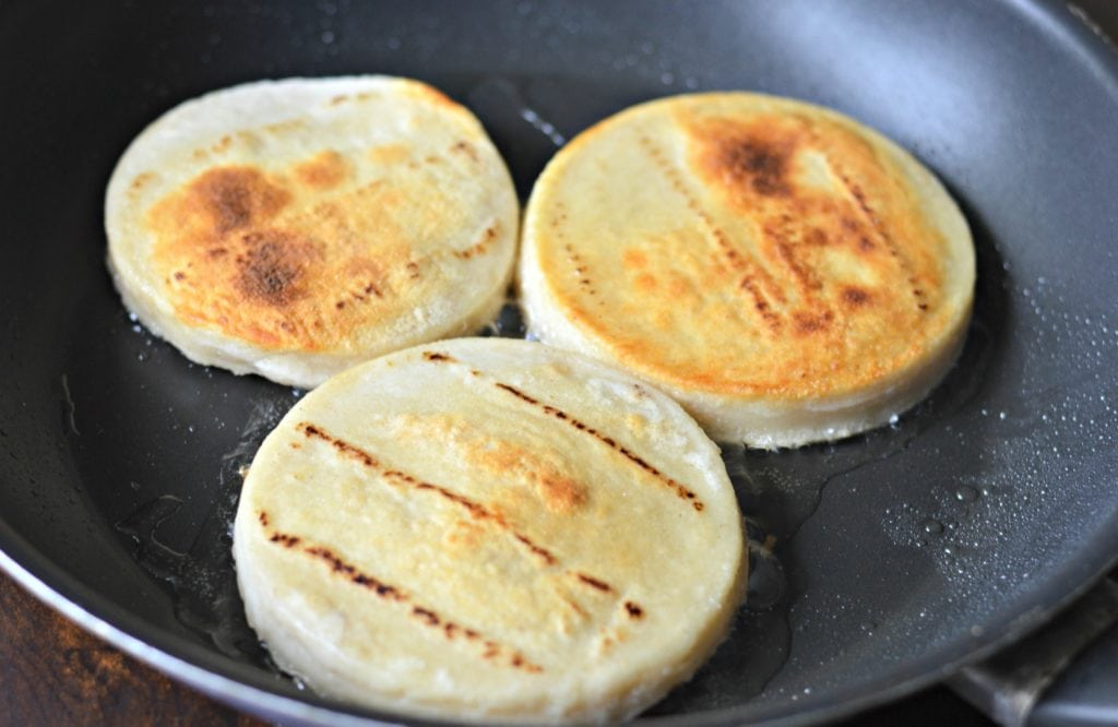 sope tortillas in oil