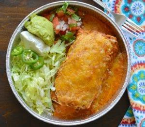 Burritos de carne asada en guajillo salsa
