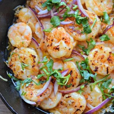 mexican style garlic shrimp - camarones al mojo de ajo in pan