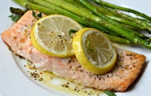Smoked Salmon with asparagus and lemon