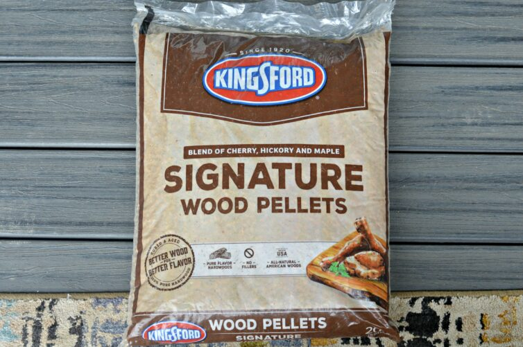 Bag of Kingsford's Signature 100% Hardwood Pellets.